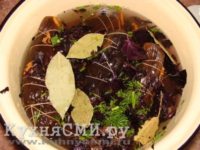 Залить рассолом баклажаны