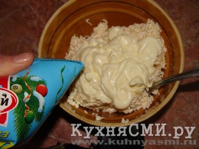 """Салат """"Мимоза"""" со шпротами, пошаговый рецепт с фото"""