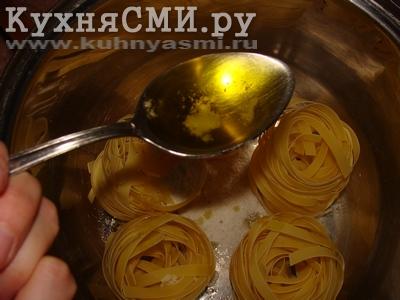Добавить 1-2 столовые ложки оливкового масла